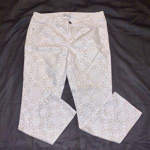 White House Black Market White Ankle Jeans Size 4